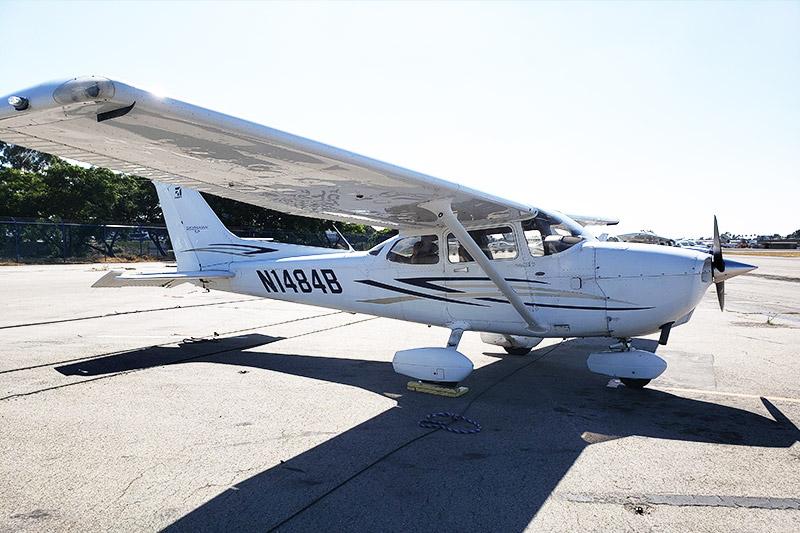 Cessna C172S - Cessna Aircraft Company